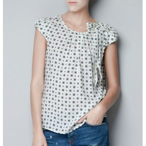 """White Printed Top with Bow"""
