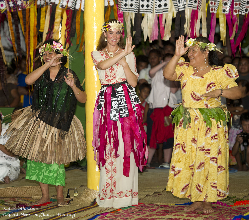 Grass Skirts & Dancing in Tuvalu