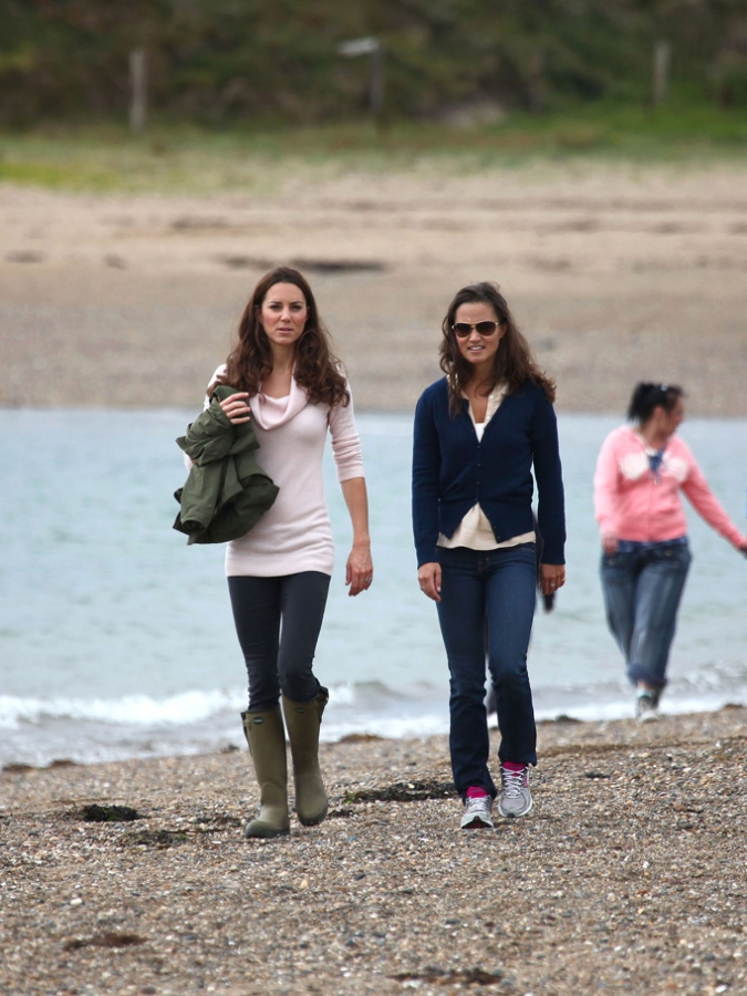 Kate & Pippa Walking the Beach