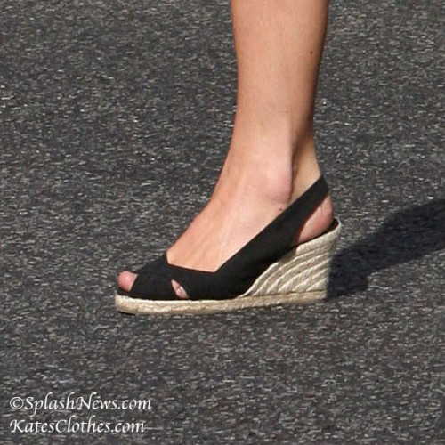 Peep-Toe Pied a Terre Wedges