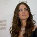 Portrait Gala In Glittering Necklace