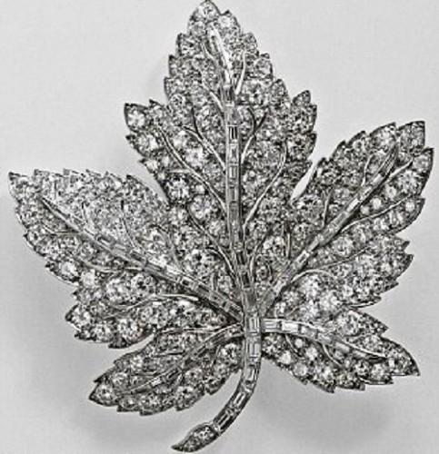 Diamond Canadian Maple Leaf