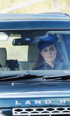 Driving to Crathie Kirk