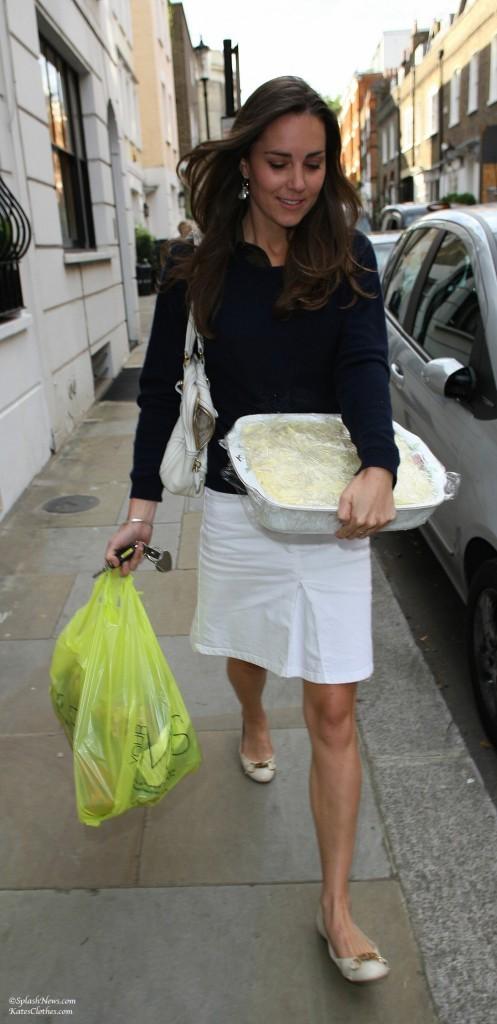 Walking in London With Casserole